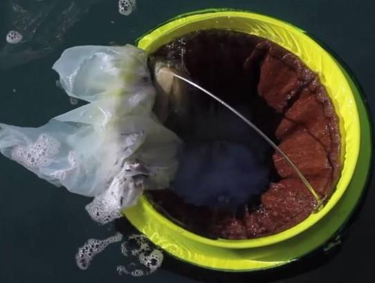 """Projeto cria """"lixeiras marítimas"""" automáticas para despoluir oceanos."""