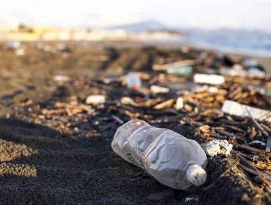 Pesquisadores conseguem transformar plástico em combustível